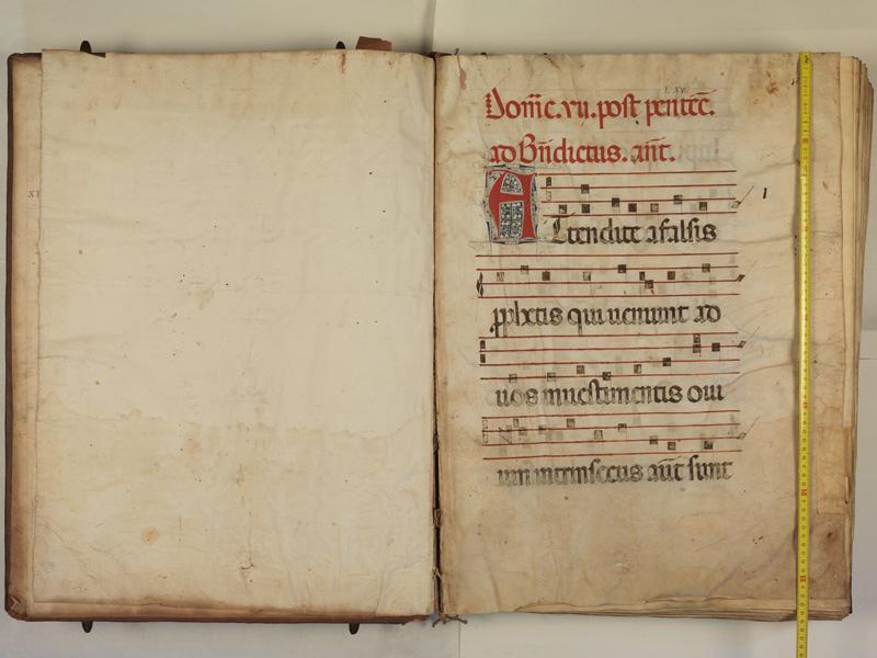 PARIS, Bibliothèque de l'Ecole des Beaux-Arts, Ms.Mas 0127, garde verso - 001 avec réglet